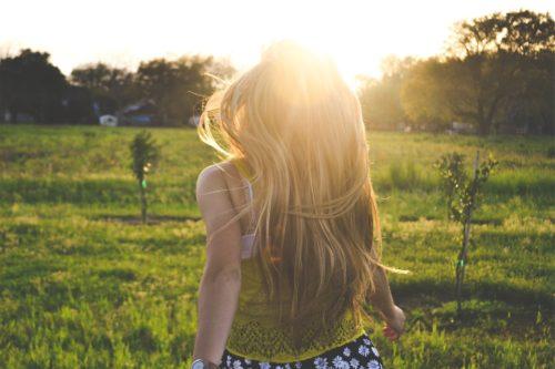 chica pelo verano